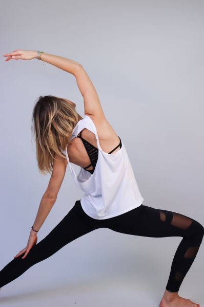 Top de sport Onzie Twist back blanc